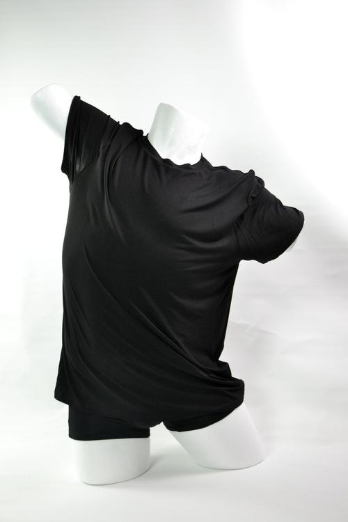 svart bambut-shirt för män med snyggt fall