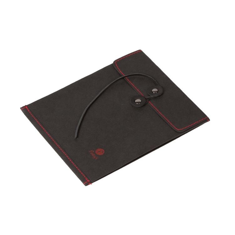 Sober svart mapp i unikt material