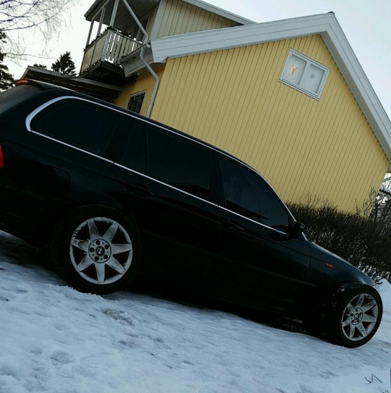 BMW 330d med tonande rutor