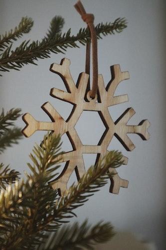 Snöflinga trä