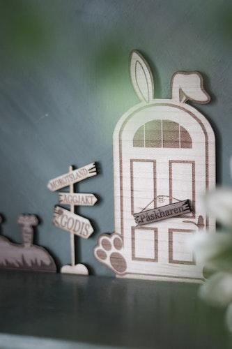 Påskhare - Dörr, skylt och morötter