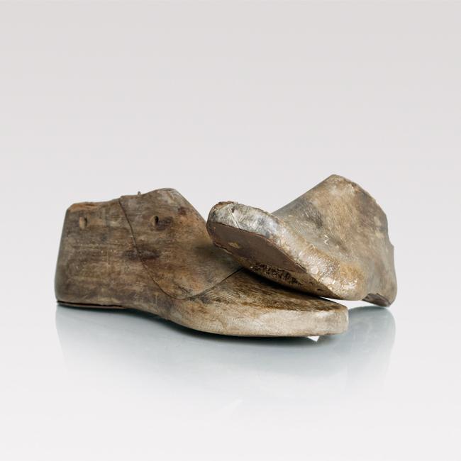 Vintage shoe form