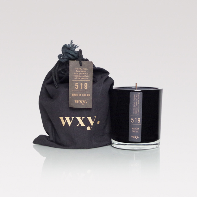 Lemon, white musk & leather scented candle