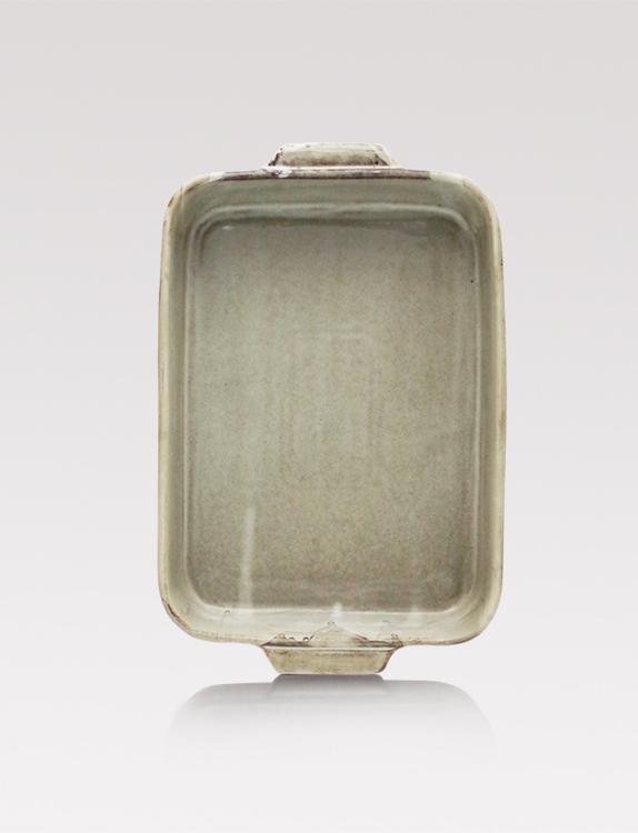 Porcelain oven form