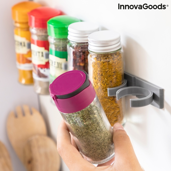 fästa kryddor på vägg och skåp