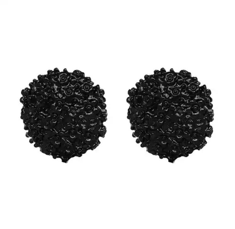Yuilia Earrings Black