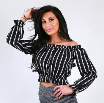 Serena Offshoulder Topp With Stripes And Buttons
