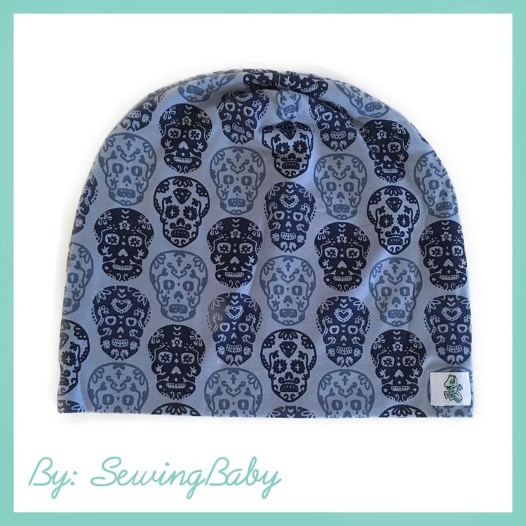 Mössa - Blue Skulls