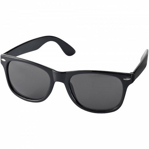 Solglasögon med egen dekal