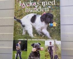 Bok: Lyckas med hunden