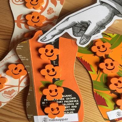 Träknappar - orange 30kr/karta med fyra knappar