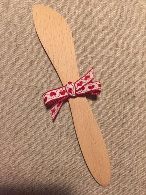 Smörkniv i bokträ