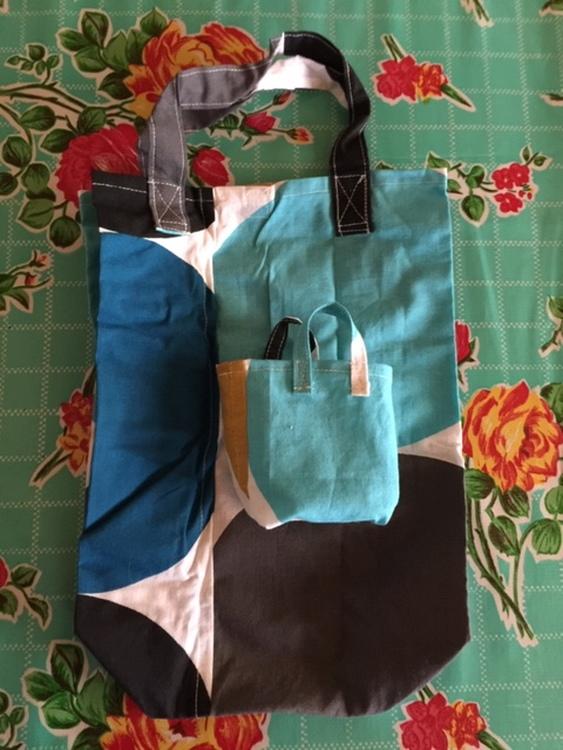 Miniväska med extrakasse