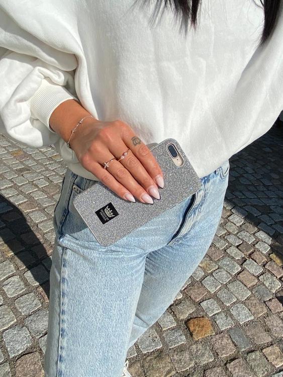 Lyxigt mobilskal med zirkonkristaller och snyggt emblem