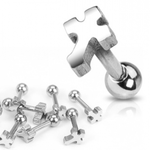 Tragus piercing med kors