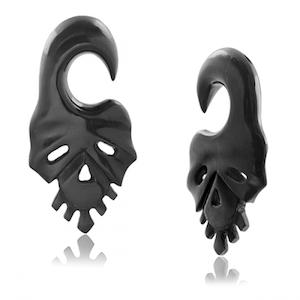 Tiki black skull