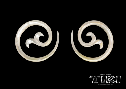 Ett par Tiki Mother of pearl spiral delux
