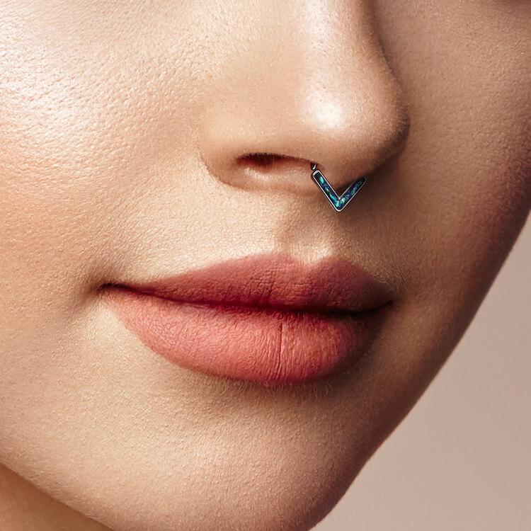 Piercingring trekantig med opal platta