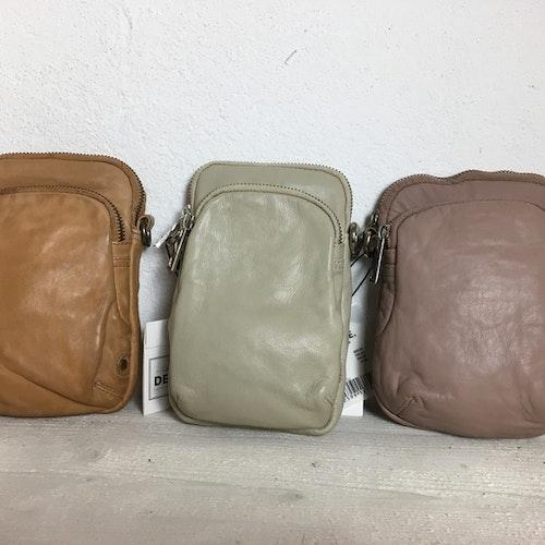 Tuff mobilväska i 100% skinn