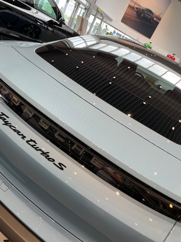 Provkörning Porsche Taycan