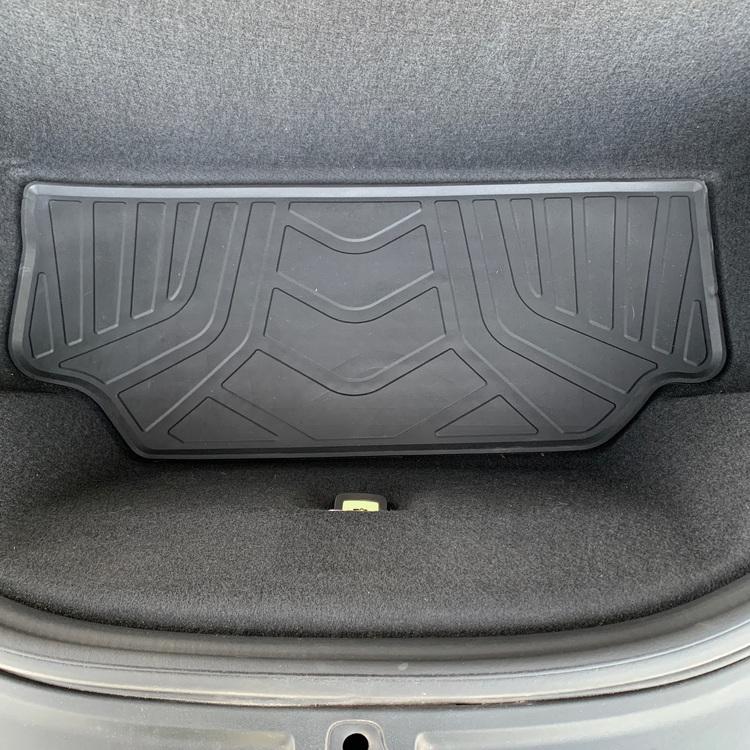 Frunkmatta i miljövänlig latex som dessutom är luktfri t Tesla Model S