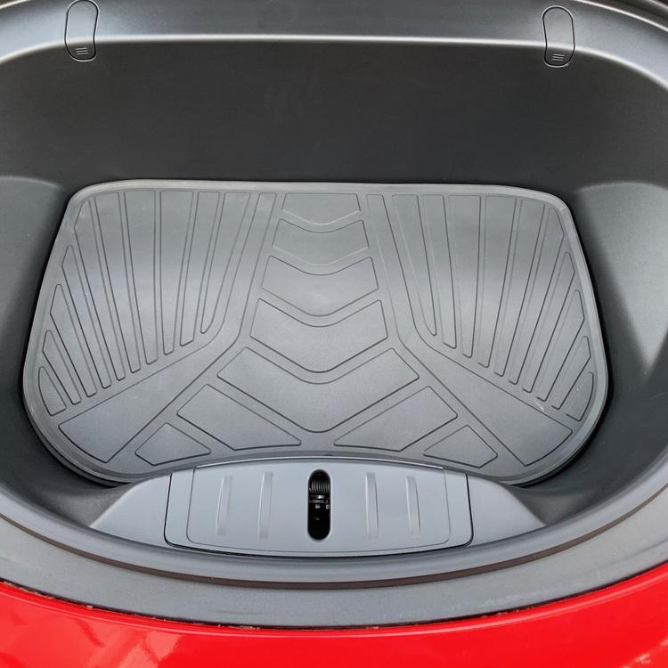 Frunkmatta i luktfri o miljövänlig latex till Tesla Model 3
