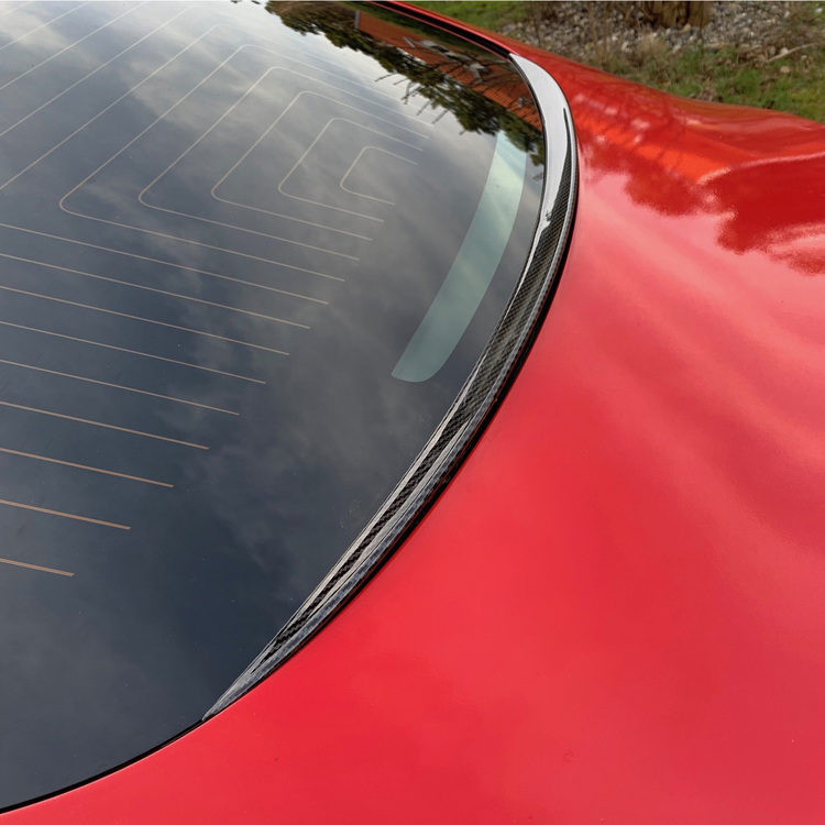 Spoiler mot regn o snö - Tesla Model 3