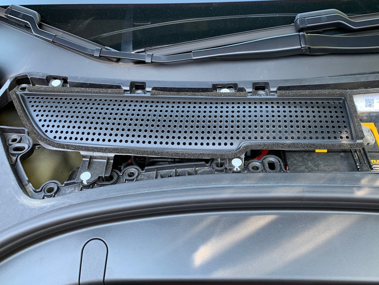 Ventilationsskydd t frunken - Tesla Model 3