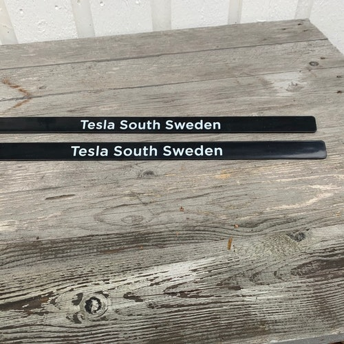 List till registreringsskylten - Tesla South Sweden