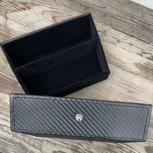 Låda under skärmen m knopp - carbon fiber - Tesla Model S/X