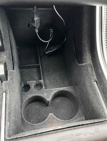 Nedre förvaringslåda mittkonsollen - Tesla Model 3