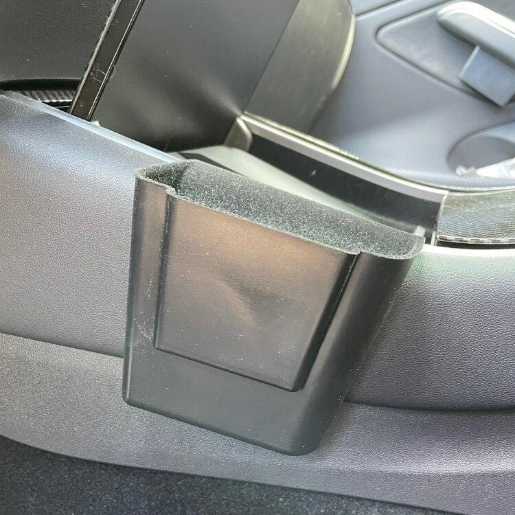 Sidofack t mittkonsollen - Tesla Model 3