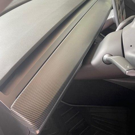 Panel t instrumentbrädan - carbon fiber matt - Tesla Model 3/Y