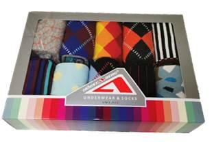 10 Par färgglada Högstaberg strumpor 40-45