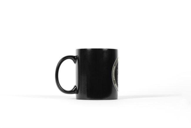 PLTS svart mugg