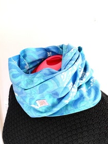 HILDA, infinity scarf