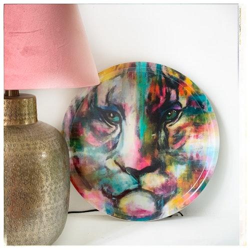 Color tiger Bricka