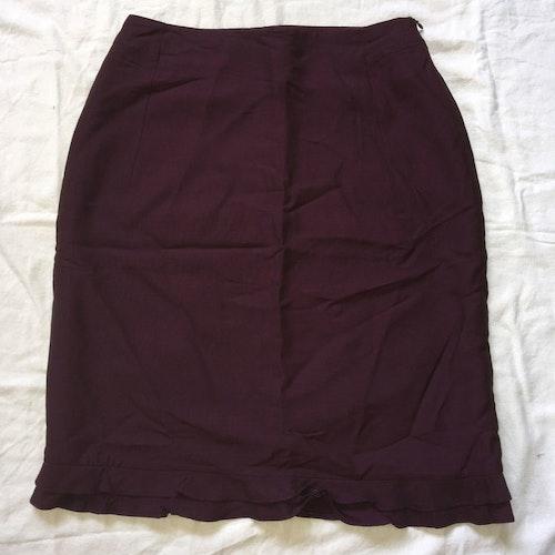 Vinröd kjol stl 38