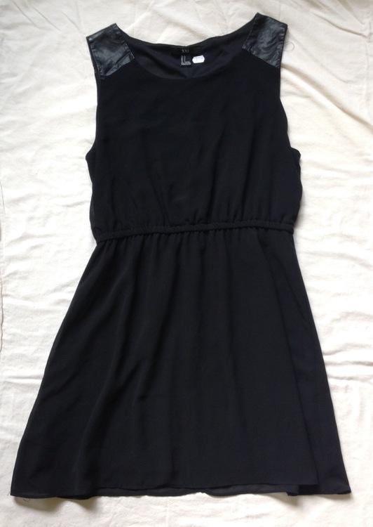 Svart klänning stl L