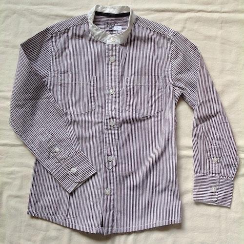 Brunrandig skjorta stl 116/122