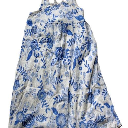 Blommig klänning stl 104
