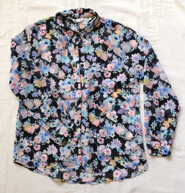 Blommig blus stl 146
