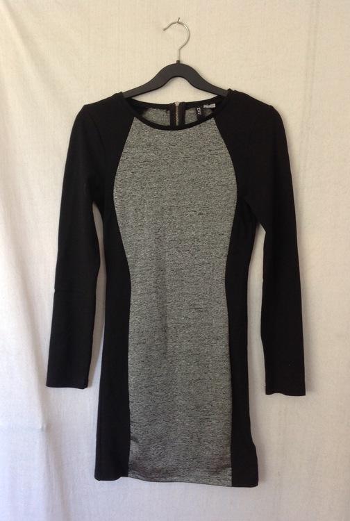 Smal klänning stl 36