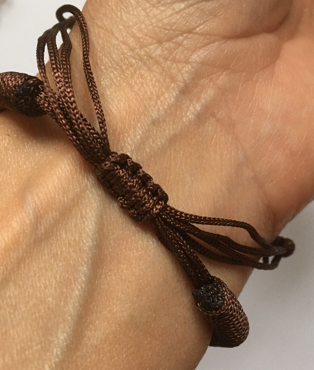 Brunt armband