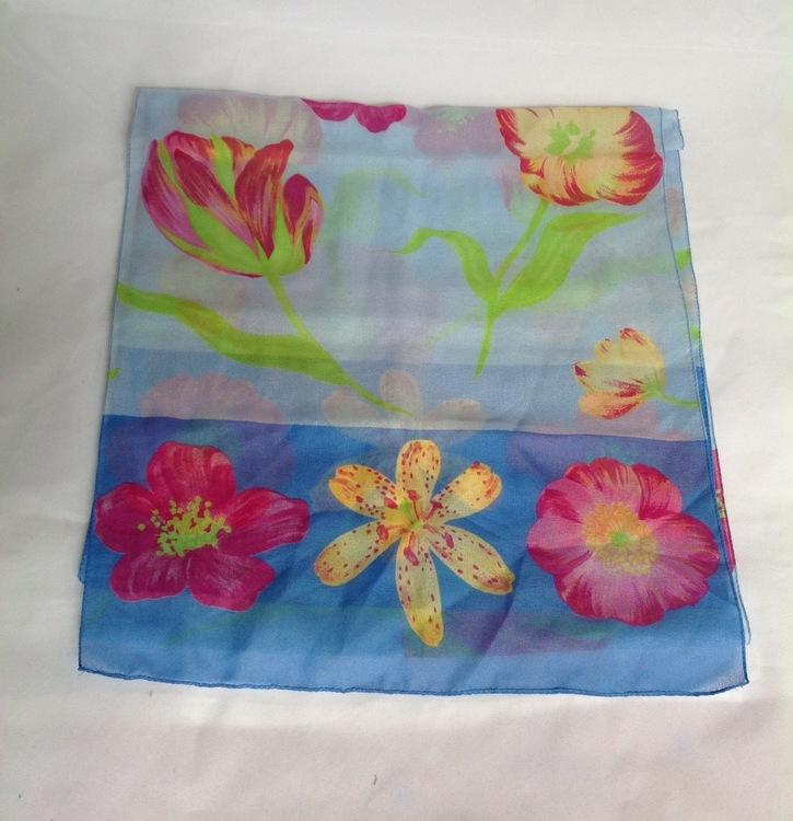 Blommig sjal