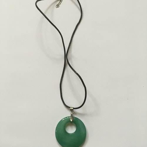 Halsband grönt hänge
