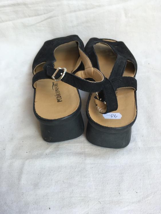 Svarta sandaletter stl 41