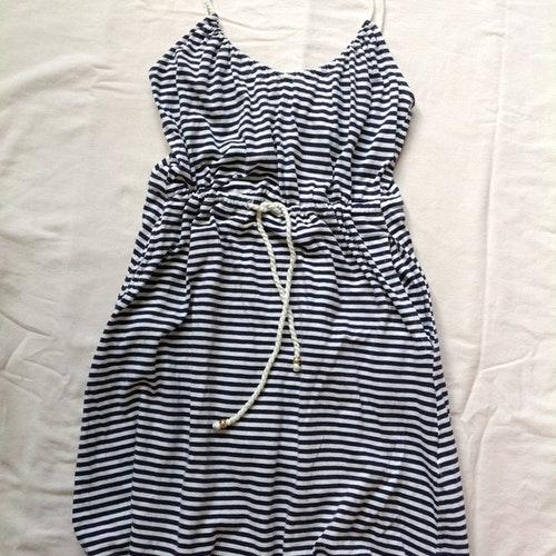 Randig klänning stl XS