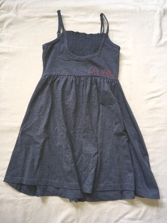 Blå klänning stl 130