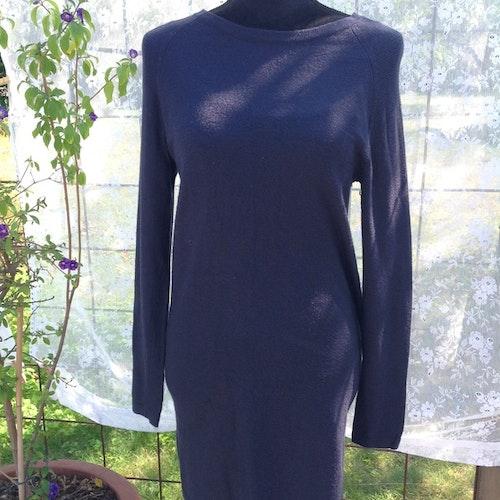 Mörkblå klänning stl XS